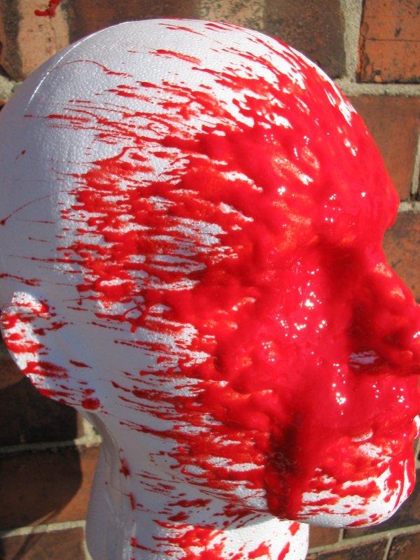 stoppa_red_defence_spray_sprayed_face